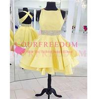 vestidos de fiesta cortos de color amarillo claro al por mayor-2020 Light Yellow Satin Short Mini Vestidos de fiesta Criss Cross Back Crystal Beaded Waist Formal Prom Vestidos de fiesta Venta caliente Barato