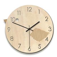 ingrosso orologi da tavolo antichi-Vendita calda Nordic antico orologio da parete in legno-uccelli orologio design moderno orologio da tavolo in legno tavolo decorazione per la casa