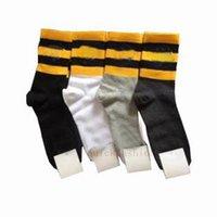 seksi uzun kış çorapları toptan satış-Lüks Hayvan Tasarımcı Man Çorap Vintage Kadınlar Kış Seksi Uzun Çorap Sokak Stili Çizgili Erkekler Kısa Çorap Noel Hediyesi