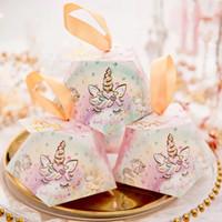 boxen für bomboniere großhandel-50 stücke Diamant form Marmor, floral, Flamingos, Einhorn Süßigkeitskästen Hochzeit Gefälligkeiten Bomboniere Geschenkbox Party Schokolade tasche