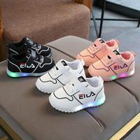 yeni moda serin örgü toptan satış-Moda Serin Örgü Çocuk Sneakers LED Aydınlatma Yeni Çocuk Ayakkabı Sıcak Satış Spor Moda Kız Erkek Ayakkabı Sevimli Bebek Tenis