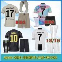 c7bafaece4f EA Sports juventus soccer Jersey 2018 2019 RONALDO DYBALA HIGUAIN MANDZUKIC  MARCHISIO da calcio BUFFON Inicio fútbol KIDS KIT camisa uniforme