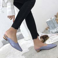 с закрытыми пальцами оптовых-Patent Leather Slippers Women Shoes Low Heels Mules Leopard  Slides Ladies Closed Toe Sandalias Mujer White Purple Blue