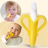 bükülebilir oyuncaklar toptan satış-Bebek Diş Kaşıyıcı Oyuncaklar Güvenli Sevimli Beşik Çıngırak Bükülebilir Etkinlik Eğitim ToothBrush Oyuncak Ucuz Yüksek Kalite Ve Çevre