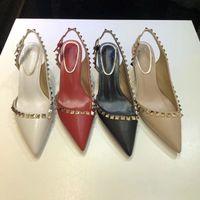 ingrosso scarpe da vestire della caviglia-Designer punta a punta 2 cinturini con borchie tacchi alti rivetti in pelle verniciata Sandali donna borchiati scarpe con strappi san valentino tacco alto 34-41