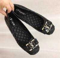 bayan ayakkabıları yeni marka toptan satış-Ücretsiz kargo Yeni tasarımcılar En markalar sıcak kek gibi satmak dört mevsim kadınlar Düz ayakkabı lady moda rahat ayakkabılar