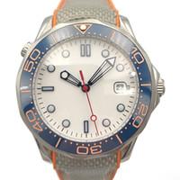 gummi einlegen großhandel-HOT 41mm automatische Männer Uhr-weißes Zifferblatt Saphir-Kristall-Blau Keramik-Lünette Insert-Gummibügel-Qualitäts-Meister Homage