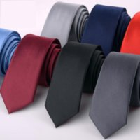 schwarze skinny krawatte männer kleid großhandel-Mode 6 cm Solide Dünne Krawatte für Mann Formelle Kleidung Seidenkrawatte Hochzeit Business Schwarz Rot Blau Dünne Gravatanecktie Herren Geschenk