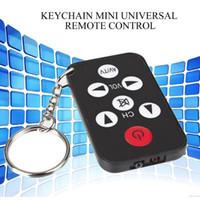chave de controle remoto de tv universal venda por atacado-TV Mini Keychain Universal Remote Control para LO Televisão Controlador Chaveiro 2018 clássico Simples Mulheres Homens Chaveiro Hot venda