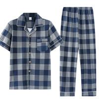 pijama camisa hombre al por mayor-Verano pijamas 100% de los hombres de algodón pijama de Turn-down Collar Cardigan blanda del tamaño extra grande L-3XL Hombre pijamas camisas cortas + pantalones largos T191015