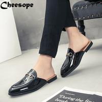 ingrosso stili di scarpe della corea-Uomini di stile coreano Plus Size scarpe di cuoio backless a ferro di cavallo uomini scarpe abito formale slip-on pantofole in pelle moda appartamenti