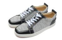 sapatas de couro cinzentas dos homens de couro venda por atacado-2018 couro preto lona cinza Homens De Luxo baixo top Sapatos Vestido de Casamento Sapatos de Caminhada Casuais Top QUALITY Tamanho 39-46