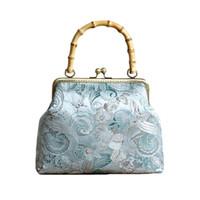 bolsa de estilo étnico chinês venda por atacado-Bag Bamboo Handle Mulheres Silk estilo étnico Bordados Flower Handbag chinês retro do Fashion Show Saco Temperamento Banquet