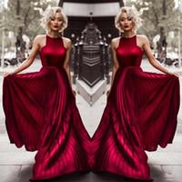 bordo giysileri giyen ünlüler toptan satış-2020 Bordo Halter A Hattı Kırışıklıkları Uzun Gelinlik Modelleri Abiye giyim Ünlü Elbise Için Kırmızı Halı Dedikodu Kız Parti giymek