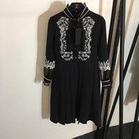 sırf kadın elbiseleri toptan satış-Milan Pist 2019 Siyah Standı V Yaka Uzun Kollu Kadın Elbise Tasarımcı Nakış Sheer Patchwork Elbiseler Womens 92891