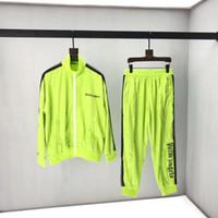 ingrosso abbigliamento giubbotto giallo-Tuta sportiva da uomo tuta da donna stampa lettera giallo fluorescente abbigliamento protezione solare giacca moda casual giacca pantaloni amanti 2019 nuovo
