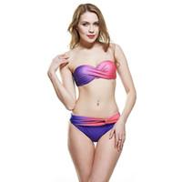 neue sommerbadebekleidung trägerlos großhandel-Art- und Weisegradienten-Farben-Frauen-Dreieck-Bikini stellt Sommer-reizvollen trägerlosen Frauen-Badebekleidungs-neuen Beachwear-Bikini für Frauentropfenverschiffen ein