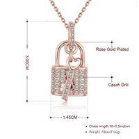 collier incrusté achat en gros de-Collier de mode chaîne Lock-clé Collier Clavicule incrustée Micro bijoux 50cm or rose et Sliver Pendentif Colliers Bijoux Neutre