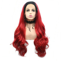 ingrosso acconciature naturali corte-Halloween Cosplay Short Dark Roots To Fire Red Natural Hairline Parrucche anteriori in pizzo sintetico femminile per Cosplay Hairstyle Body Wave Capelli lunghi