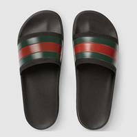 dessins de pantoufles pour hommes achat en gros de-[avec boîte] desingers de mode mens sandales 2019 été casual caoutchouc conception pantoufles mocassins luxueux g hommes cuir design sandales 39-46