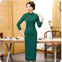qipao cheongsam verde al por mayor-Sheng Coco Ladies Green Lace Cheongsam Vestidos de manga larga Cheongsam Qipao Excelente sobre el tobillo Franja borla Vestido chino