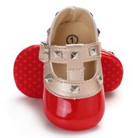 ingrosso abiti rossi per neonati-Autunno Rosso Baby Girl Morbido Soled Mirror PU Scarpe infantile Walking Dress Culla Scarpa First Walkers