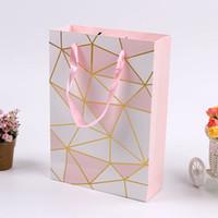 çanta hediye paketi kağıdı toptan satış-Kolu ile pembe Renk Kağıt Hediye Çantası sevgililer Günü Düğün Doğum Günü Partisi Ambalaj Çanta