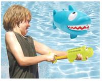 ingrosso giocattolo di coccodrillo di nuoto-New Coccodrillo Shark Extraction Water Cannon Summer Beach per bambini Piscina Acqua Toy Water Gun Combination