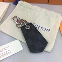 geführtes keychainkarikatur groihandel-Top Luxus Keychain M68000 Cirle Mode Auto Schlüsselanhänger Edelstahl Designer Keychain für Geschenke mit Box Freies ShippingA43