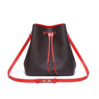 bolso de mano de cuero al por mayor-Bolsos de diseño de moda para mujer bolsos de mano bolsos de viaje de alta calidad de cuero de LA PU monedero de hombro tote bolsos femeninos