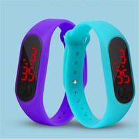 reloj unisex de color al por mayor-Moda LED reloj niños niñas niños niños estudiantes deporte reloj digital nuevo para mujer de silicona Relojes para correr
