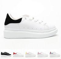 çocuklar sepetleri toptan satış-Marka Büyük Çocuklar McQueens Sepet Sepetleri Sole Sneakers Toddler Kız Lüks Sneaker Küçük Erkek Tasarımcı Spor Ayakkabı Dökün Enfants Chaussures