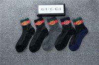 harajuku tarzı çoraplar toptan satış-Kadınların tasarımcıları marka çorap orijinal Harajuku tarzı yeni diyagonal çizgili pamuklu çorap spor Yeni stil G2gucci ile Tide marka çorap