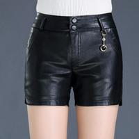 pantalones cortos de cintura media pu al por mayor-Nuevo invierno PU Shorts de cuero de las mujeres botas Skinny mediados de cintura moda Shorts Shorts de cuero mujer más el tamaño 8XL Negro Mujer MZ2825 S190423