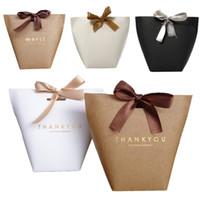 bronzlaştırıcı kağıt toptan satış-Fransız Teşekkürler Merci Şeker Çantası Kfaft Kağıt Torbalar Düğün Iyilik Lüks Siyah Beyaz Bronzlaşmaya Doğum Günü Partisi Lehine Çanta