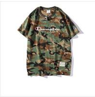 estilos de ropa para hombres al por mayor-De lujo para hombre T-shirt 2019 Verano diseñador camisetas para hombre ropa de marca de moda patrón de camuflaje de manga corta estilo de la calle desgaste Tees