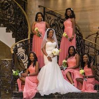 mütevazı mercan gelinlik elbiseleri toptan satış-Mütevazı Afrika Siyah Kız Mercan Gelinlik Modelleri Tek Omuz Kat Uzunluk Uzun Düğün Konuklar Için Hizmetçi Onur Önlük BM0198