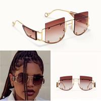 marco especial al por mayor-Nueva moda vanguardista gafas de sol FENTY diseño especial pequeño marco cuadrado gafas protectoras de calidad superior color de luz gafas decorativas