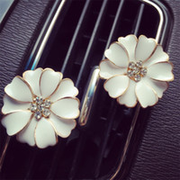 Wholesale selling used cars for sale - Turmp Daisy Vehicle Perfume Clip Metal Popular Exquisite Essential Oils Diffusers Car Ornament Gift Hot Selling xl E1