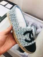 feuillets usagés achat en gros de-Mocassins classiques de la mode pour femmes, pantoufles plates d'espadrille avec semelles d'usure tissées à la paille, chaussures de ville à enfiler pour une utilisation quotidienne