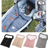 bolsas de lana hechas a mano al por mayor-Saco de dormir para bebé recién nacido Botón hecho a mano Saco de dormir con botón para niño Bebek Cochecito de bebé para exterior Manta tejida de lana gruesa y cálida