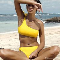 top bandeau amarillo al por mayor-Amarillo Un Hombro Bikini Set Para Mujeres Push-Up Acolchado Bandeau Top traje de baño traje de baño traje de baño de playa CCI0151