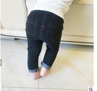 jeans bébé fille 12 mois achat en gros de-2017 Pour Bebek Giyim Infant Bébé Bébé Boysgirls Printemps Marque Vêtements Enfants Filles Patter Coton Jeans Pantalon Taille 6-24 Mois Y19061303