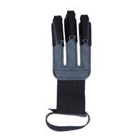 fingerschutz schwarz großhandel-60PCS Archery Handschuhe 3 Finger Handgefertigte Premium-Qualitäts-Leder-Schutz-Shooting-Finger-Schutz Farbe schwarz und braun