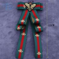 krawatte china großhandel-Luxus Strass Vintage Fliege Brosche - Damen Herren Band Bogen Broschen Bräutigam Hochzeit Dekoration Anzug Zubehör