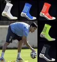 anti-rutsch-socken männer groihandel-Neue rutschfeste Fußball-Socken-männliche Baumwollfußball-Socken-Mann-Socken-Großhandelsmännersocken Freies Verschiffen