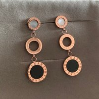 gancho de oreja de borla al por mayor-Pendientes colgantes de borla de moda de diseño de alta calidad de lujo para crear damas elegantes pendientes ganchos para las orejas