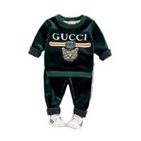 erkek kış kıyafetleri toptan satış-Nokta promosyon Çocuk giyim erkek ve kız sonbahar ve kış suit kalınlaşma bebek altın oyma kaşmir bebek çocuk kış kazak