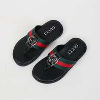 buenos zapatos de goma al por mayor-Zapatillas de niño Zapatillas de verano blancas y negras de la UE 21-35 para el bebé girp to big boy girl suela de goma vestido muy bonito enviar con caja
