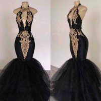 ingrosso vestito nero da promenade dello spandex-Custom Made Black Mermaid Prom Dresses con pizzo oro collo alto aperto indietro Tulle lunghezza del pavimento nero ragazze abiti da sera formale del partito CP0233